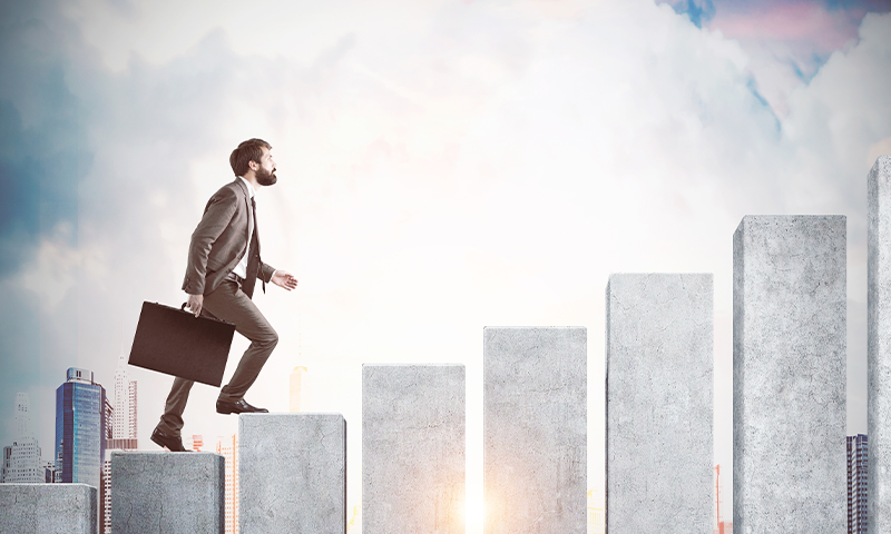 4 Philosophies that Dramatically Increase Your Odds of Achieving Success