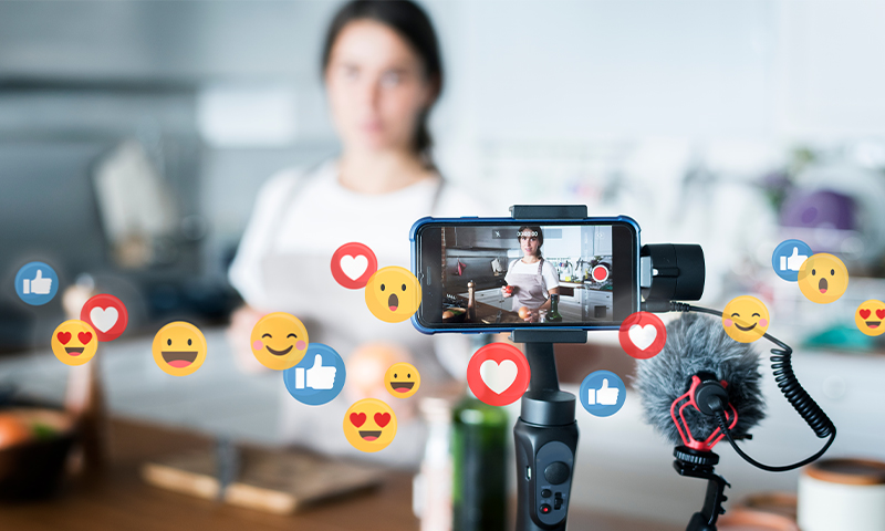 5 Top Tips on How to Become a Social-Media Influencer