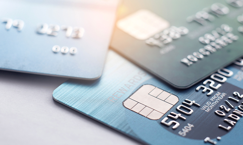4 Attractive Perks of Using Business Credit Cards to Grow Your Start-Up